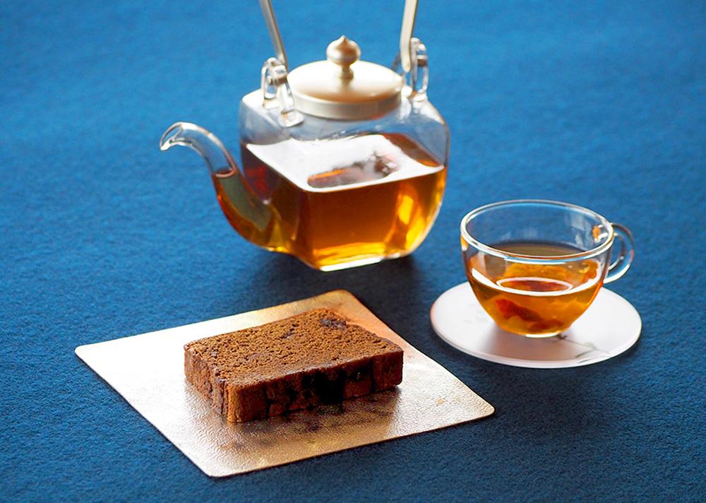 コーヒーパウンドケーキとほうじ茶